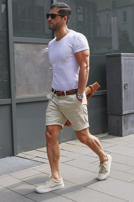 Simple yet so stylish. Ideal outfit for summer and neutral colours, styled with a brown belt. This look isn't hard to put together, and simply by tucking in your tee and adding a belt can make all the difference.